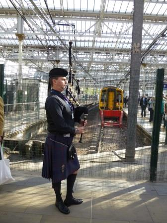 Piper welcomes first train at Waverley on 5th September 2015